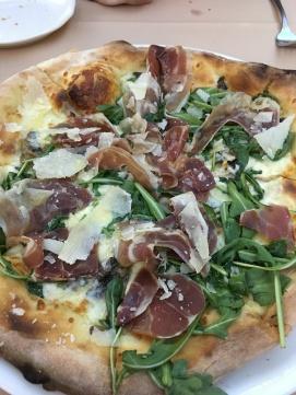 friggin-amazing-pizza_31171075914_o