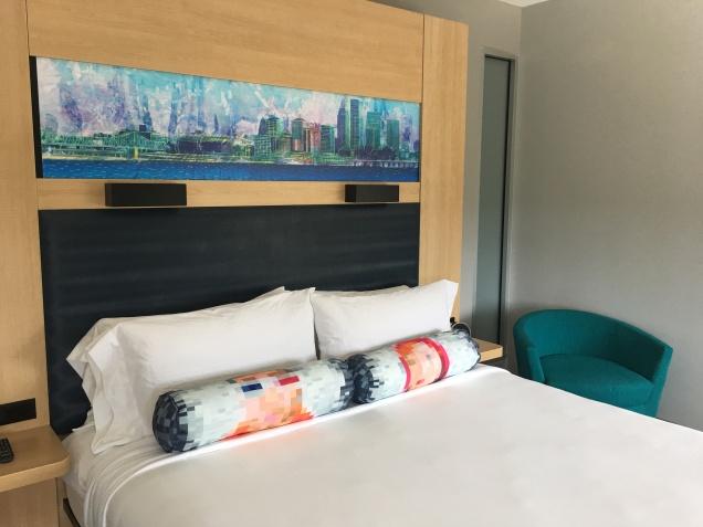 hotel-room_35853268881_o